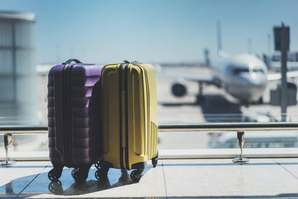 El dilema de las maletas en el avión